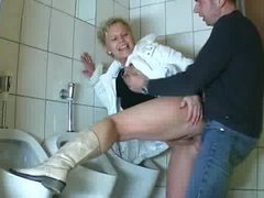 Amateur mature comes into bathroom and sucks cock tubes
