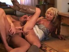 Amateur mature in boots gets laid movies at kilosex.com