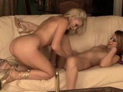 Blistering hot babes have hot lesbian love videos