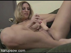 Milf fucking her pussy with a sexy toy movies