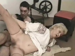 Super old slut takes dick in her wet pussy videos