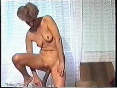 Huge dildo fucks her mature pussy videos