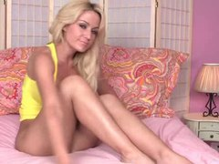 The body on the blonde is insanely hot videos
