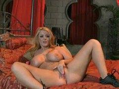 Solo with pornstar masturbating her cunt movies at kilotop.com