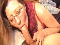 She gives a long and slow bj movies at kilosex.com