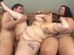 Two huge women share in his big cock movies at kilosex.com