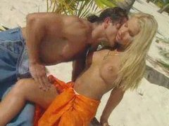 Perfect blonde is fucked on the beach videos