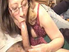 Deepthroating mature in glasses clip
