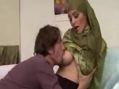 Arab babe with big tits lets him have her pussy movies at kilotop.com