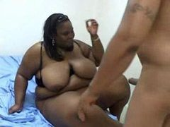 Fat black whore makes a hardcore porn videos