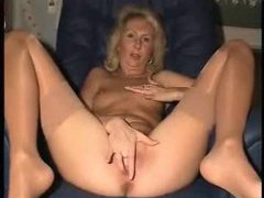 Mature gal with a perfect pink pussy videos