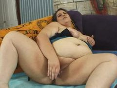 Fat chick finger blasting and toy fucking movies at freekilopics.com