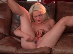 Blonde is wildly toy fucking her pussy videos