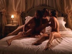 Erotic lesbian threesome filmed by a guy videos