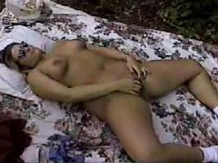Curvy girl on blanket outdoors fingers pussy videos