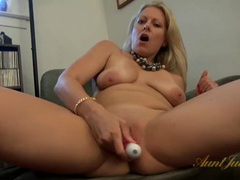 Freshly shaved milf pussy looks amazing movies at adipics.com