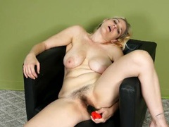 Hairy milf fucks her cunt with a dildo videos