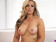 Naked mommy talks dirty to make you wank videos