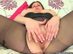 Uk milfs jessica jay and princess leia destroying pantyhose videos