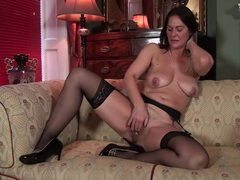 Classy milf in her sexy stockings masturbates videos