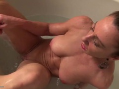 Fit and wet mom masturbating in the bathtub movies at kilopills.com