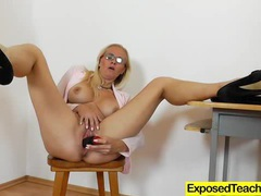 Wild lady lili pleasing her pussy to the max clip