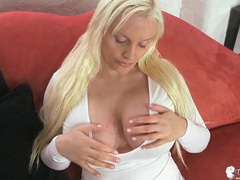 Bimbo plays with her big titties erotically movies
