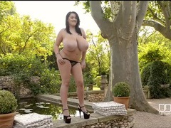 Gigantic tits of leanne crow bouncing outdoors videos