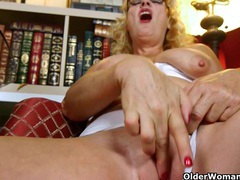 Craving grannies karen summer and dalbin finger pussy movies at freekiloclips.com