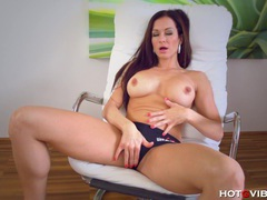 Big buxom beautiful milf orgasms videos