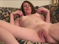 Mature pussy looks so good in close up videos