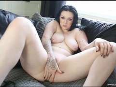 Curvaceous english hottie fucks a liquor bottle tubes