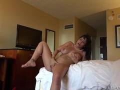 Babe in a hotel room taking his big dick hardcore tubes