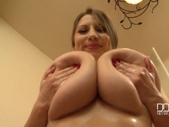 Huge natural boobs beauty takes a sexy shower videos
