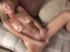 Saggy ass mature babe lubes up and masturbates videos