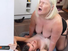 Lost boy fucks a foreign wife with his big cock in the kitchen by agedlove videos