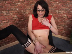 Slutty secretary treats you to a hot striptease videos