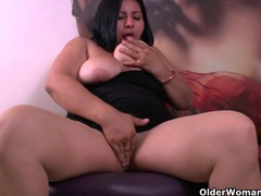 Latina bbw milfs carmen and laura have a nylon fetish videos