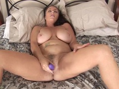 Mom cunts gets nice and wet as she fucks a toy videos