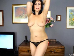 Marvelous curvy milf stripping with real passion videos