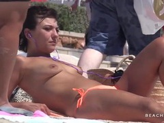 Topless beach spy shows us gorgeous tits tubes