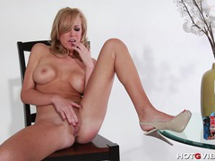 Horny blonde brett rossi fingers herself tubes