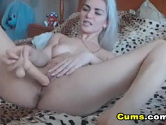Sexy bleach blonde beauty pounds her cunt with a dildo videos