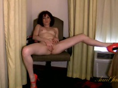 Naked milf flaunts her hot body in a hotel room videos