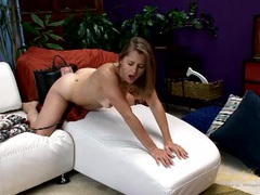 Milf sits on the sybian and moans in pure joy tubes