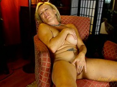 Lovely mature blonde in black lingerie is ready to masturbate movies at find-best-pussy.com