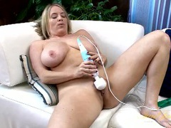 Sexy big boobs on a masturbating solo mommy movies at adspics.com