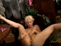Pretty blonde milf with a wonderful pierced clit videos