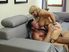 Mature fuck slut takes dick from the fit guy tubes