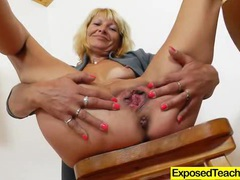 Curvy milf riding a huge fake penis videos